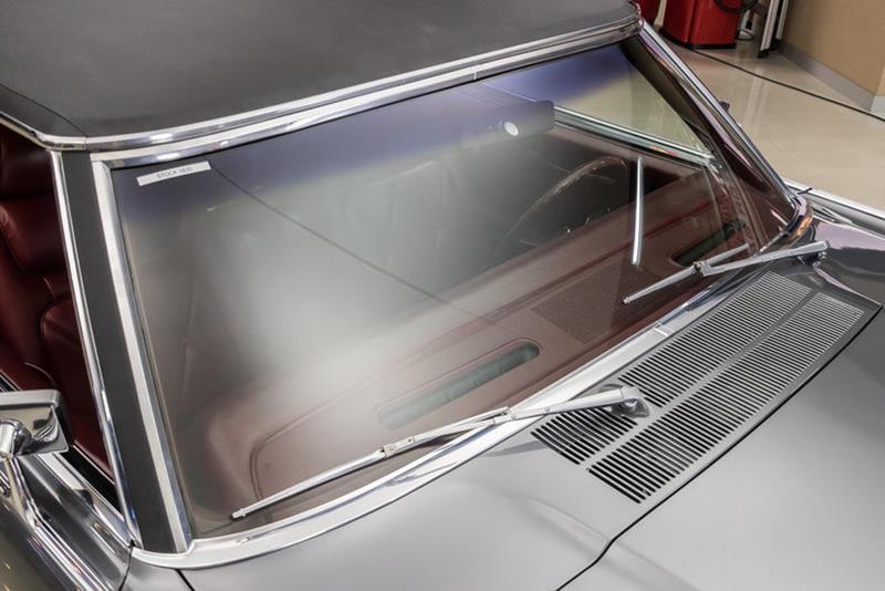 1969 Lincoln Continental 23