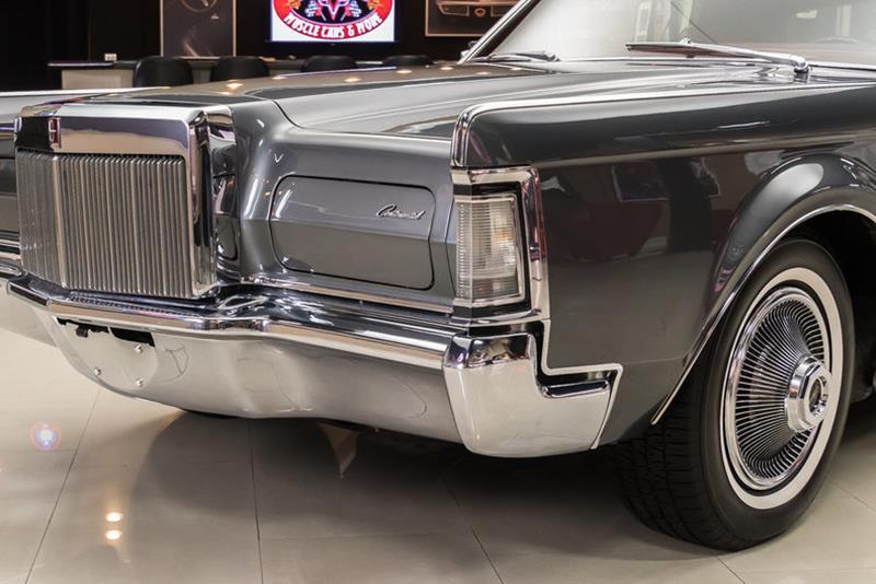 1969 Lincoln Continental 27