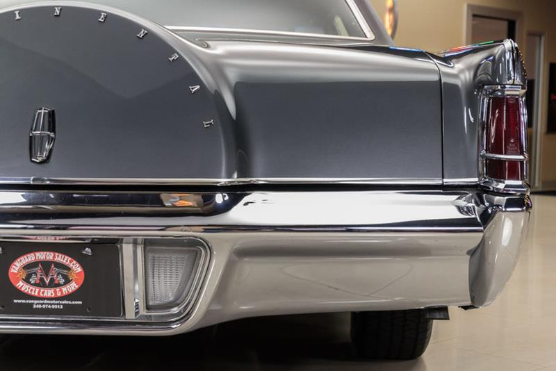 1969 Lincoln Continental 39