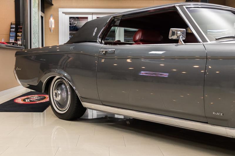 1969 Lincoln Continental 20