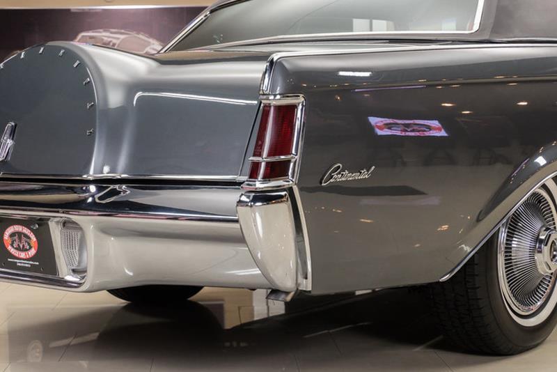 1969 Lincoln Continental 40
