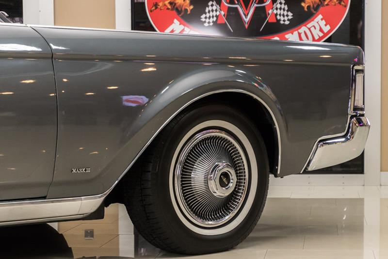 1969 Lincoln Continental 42