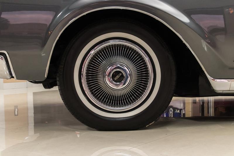 1969 Lincoln Continental 49