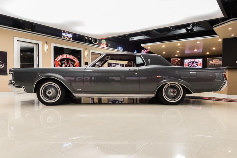 1969 Lincoln Continental 17