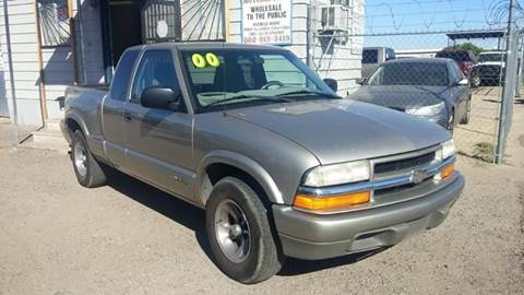 2000 Chevrolet S-10 for sale at Advantage Motorsports Plus in Phoenix AZ