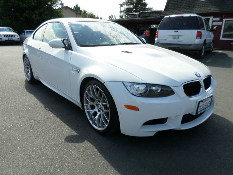 2011 BMW M3 BASE 2DR COUPE white 2-stage unlocking doors abs - 4-wheel air filtration - active