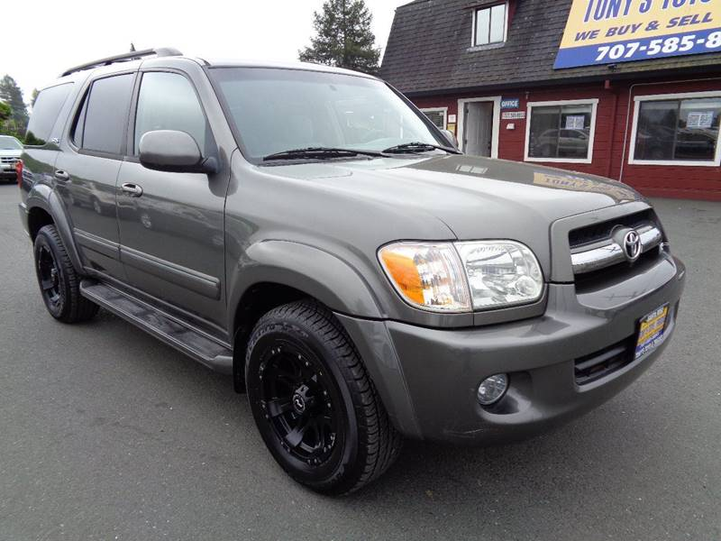 2005 TOYOTA SEQUOIA SR5 4DR SUV gray new tiressr53rd row seating front air condi
