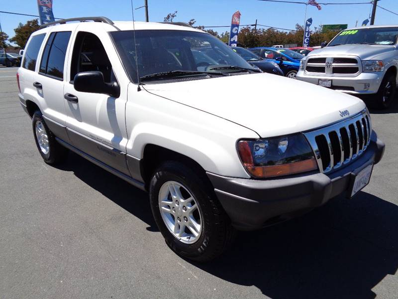 2002 JEEP GRAND CHEROKEE LAREDO 4DR 4WD SUV white clean svu only 106993 miles40 6-cyl