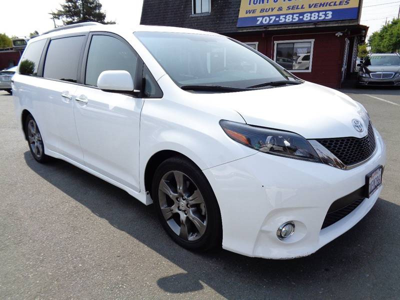 2015 TOYOTA SIENNA SE 8 PASSENGER 4DR MINI VAN white one owner mini-van new tiresnavi bump