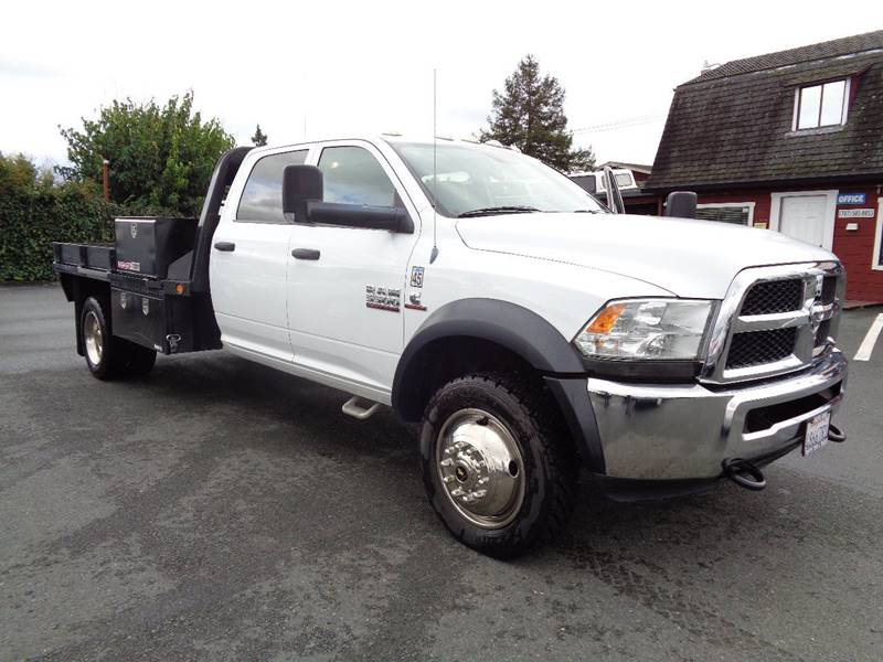 2013 RAM RAM CHASSIS 5500 CREW CAB AND CHASSIS TRADESMAN CAB