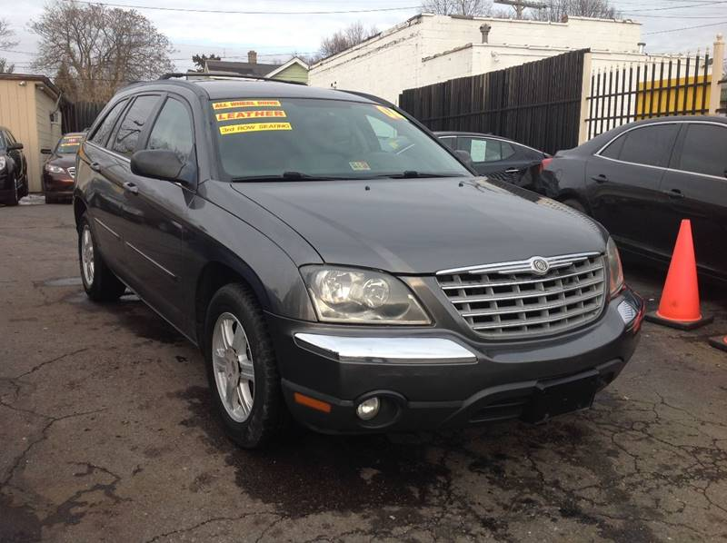 2004 Chrysler Pacifica car for sale in Detroit