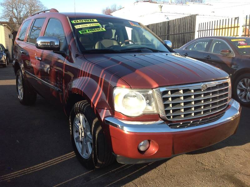 2007 Chrysler Aspen car for sale in Detroit