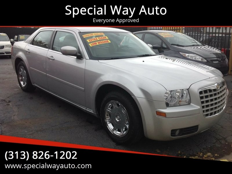 2005 Chrysler 300 car for sale in Detroit