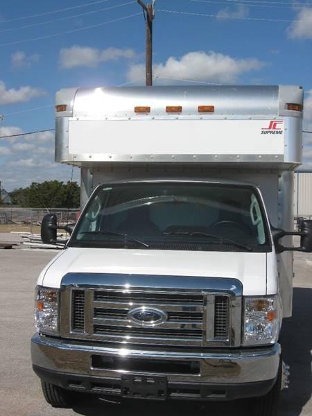 2017 Ford E-350 Supreme Box Truck 158 in. WB Dual Rear Wheel - Boerne TX