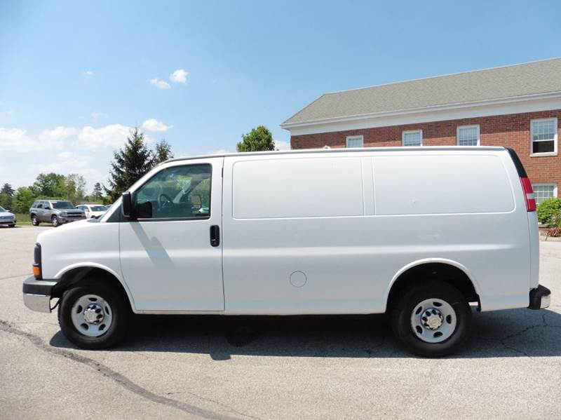 2010 Chevrolet Express Cargo 2500 3dr Cargo Van w/ 1WT - Chagrin Falls OH