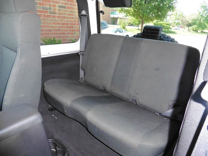 2006 Jeep Wrangler Rubicon 2dr SUV 4WD - Chagrin Falls OH