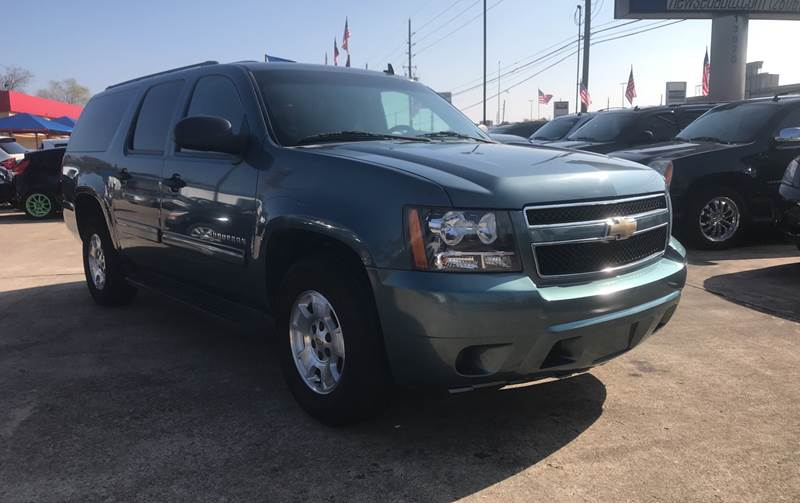 2010 chevrolet suburban 4x2 ls 1500 4dr suv in houston tx newsed auto. Black Bedroom Furniture Sets. Home Design Ideas
