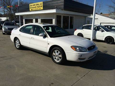 2005 Ford Taurus for sale at Dino Auto Sales in Omaha NE