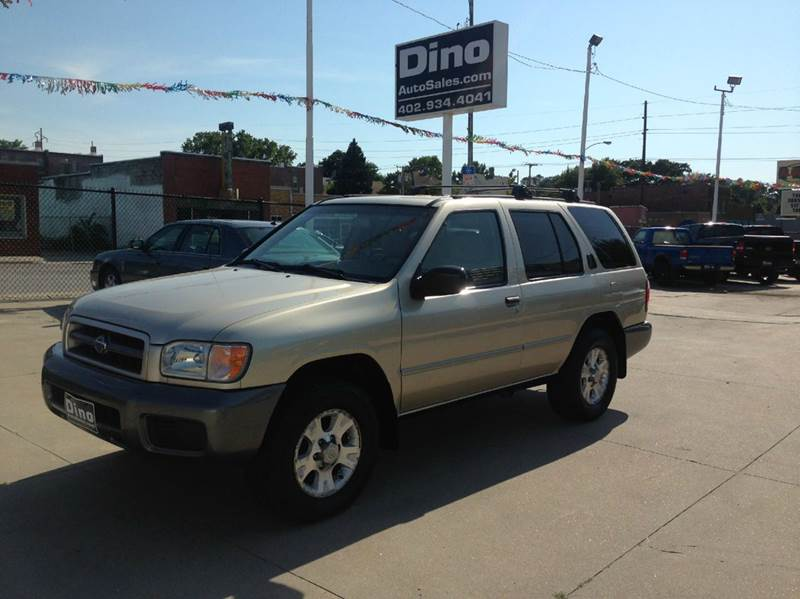 2000 Nissan Pathfinder for sale at Dino Auto Sales in Omaha NE