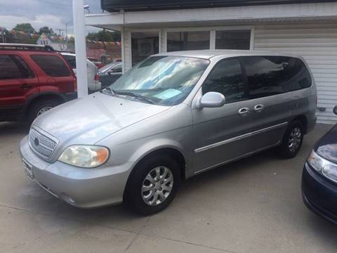 2004 Kia Sedona for sale at Dino Auto Sales in Omaha NE