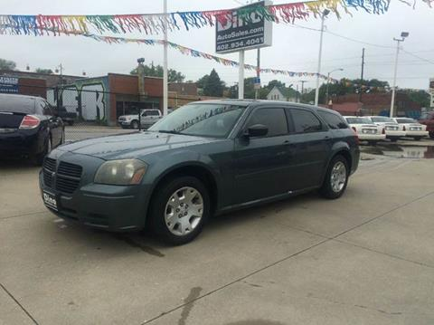 2005 Dodge Magnum for sale at Dino Auto Sales in Omaha NE