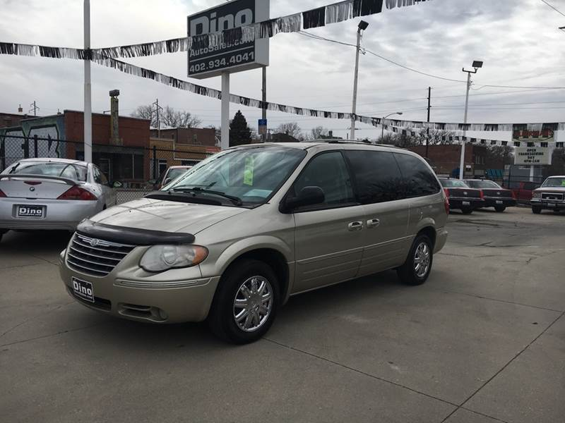 2005 town and country limited