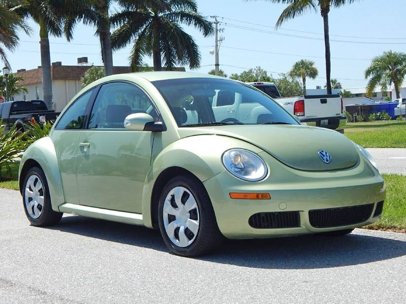 2010 Volkswagen New Beetle for sale at VE Auto Gallery LLC in Lake Park FL