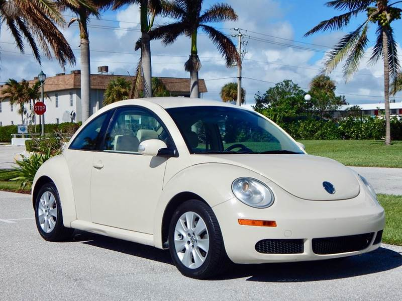 2009 Volkswagen New Beetle for sale at VE Auto Gallery LLC in Lake Park FL