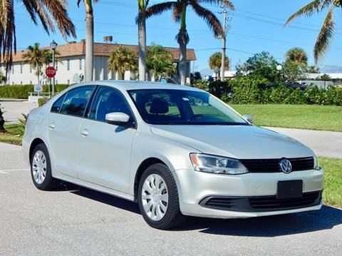 2011 Volkswagen Jetta for sale at VE Auto Gallery LLC in Lake Park FL