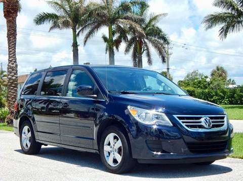 2010 Volkswagen Routan for sale at VE Auto Gallery LLC in Lake Park FL