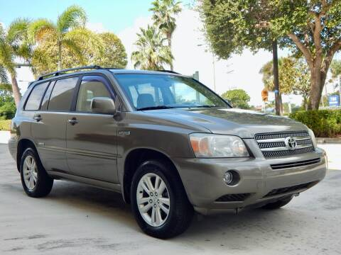 2006 Toyota Highlander Hybrid for sale at VE Auto Gallery LLC in Lake Park FL