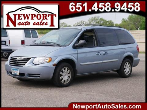 2006 Chrysler Town and Country for sale in Newport, MN