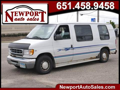 2000 Ford E-150 for sale in Newport, MN