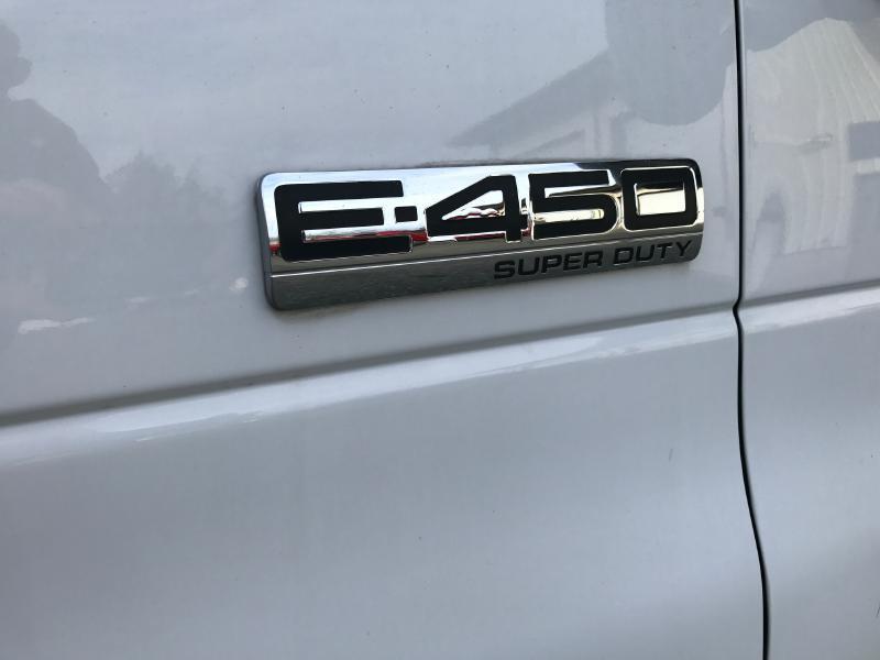 2007 Ford E-Series Cargo E450 SUPER DUTY CUTAWAY VAN - Upton MA