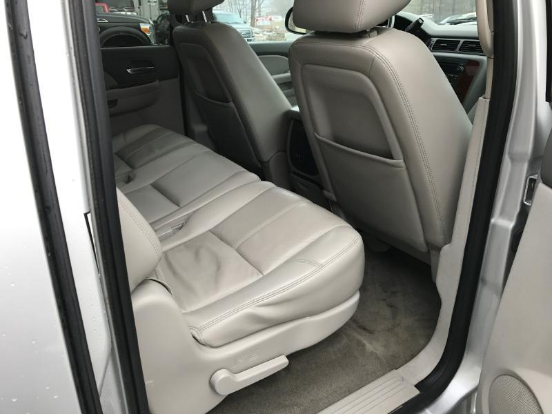 2011 Chevrolet Suburban 4x4 LT 1500 4dr SUV - Upton MA