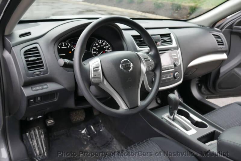 2017 Nissan Altima (image 26)