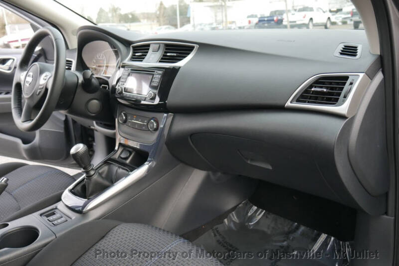 2017 Nissan Sentra (image 27)