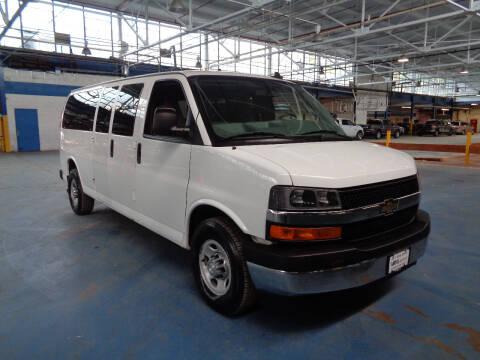 2017 Chevrolet Express Passenger for sale at VML Motors LLC in Teterboro NJ