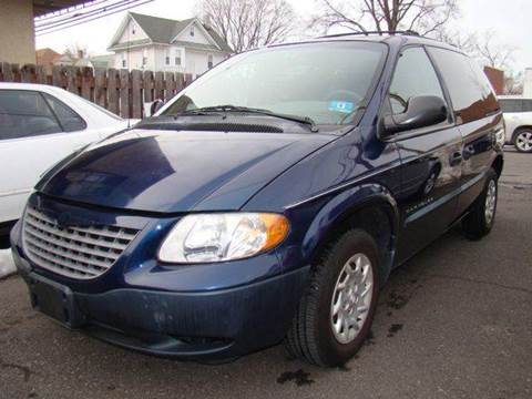 2001 Chrysler Voyager for sale at SILVER ARROW AUTO SALES CORPORATION in Newark NJ
