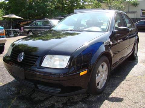 2002 Volkswagen Jetta for sale at SILVER ARROW AUTO SALES CORPORATION in Newark NJ