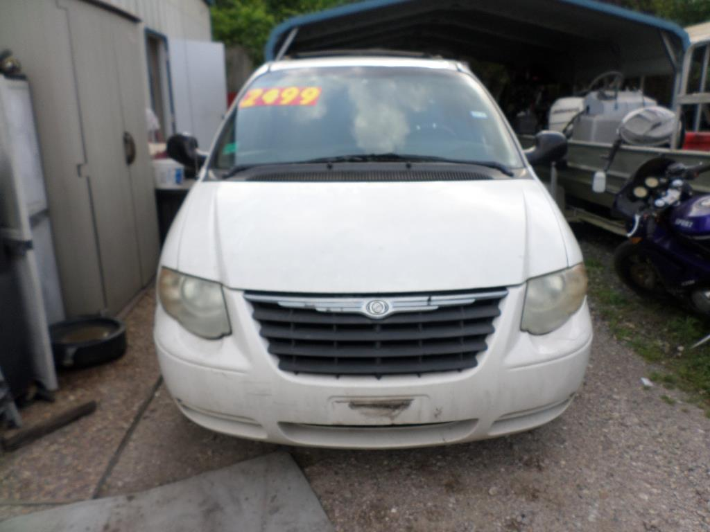 2005 Chrysler Town And Country Lx 4dr Extended Mini Van In