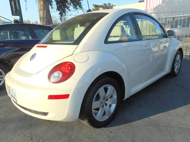2007 Volkswagen New Beetle 2.5 PZEV 2dr Hatchback (2.5L I5 5M) - Modesto CA