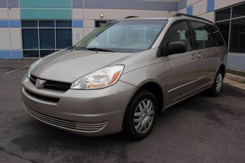 2005 Toyota Sienna for sale at M & M Auto Brokers in Chantilly VA
