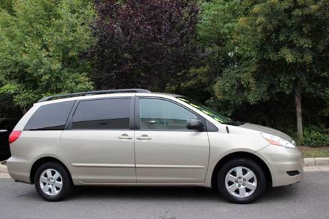 2006 Toyota Sienna for sale at M & M Auto Brokers in Chantilly VA