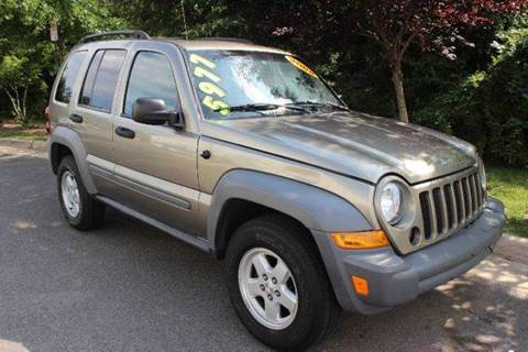 2005 Jeep Liberty for sale at M & M Auto Brokers in Chantilly VA
