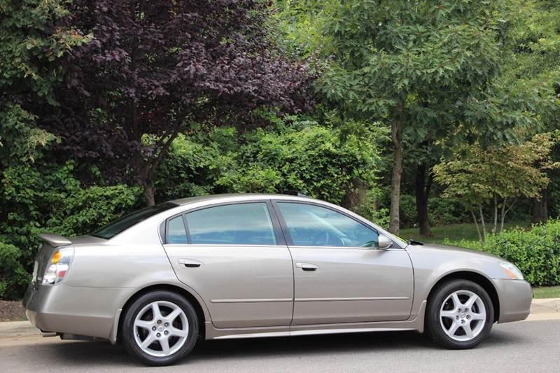 2004 nissan altima 3 5 se 4dr sedan in chantilly va m m auto brokers. Black Bedroom Furniture Sets. Home Design Ideas