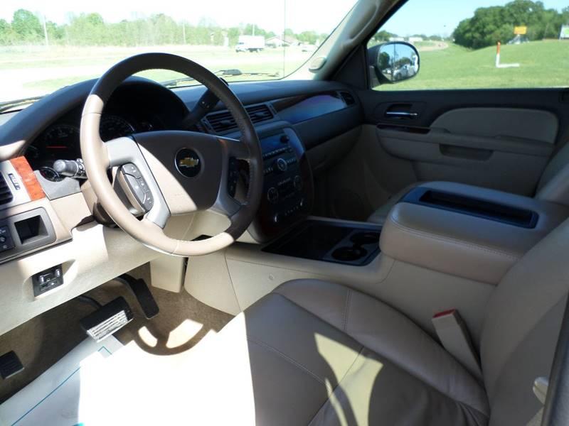2011 Chevrolet Avalanche 4x2 LT 4dr Crew Cab Pickup - Flora MS