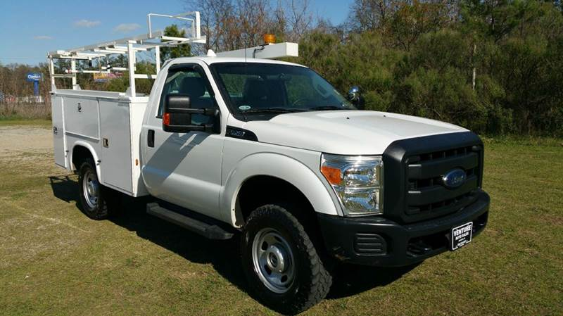 2012 FORD F-350 SUPER DUTY 2DR REG CAB SERVICE BODY white looking for a great work truck that wil