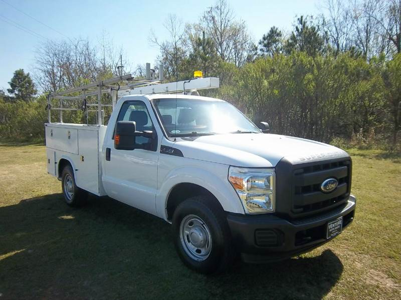 2012 FORD F-350 SUPER DUTY 2DR REG CAB SERVICE BODY white looking for a quality dependable work