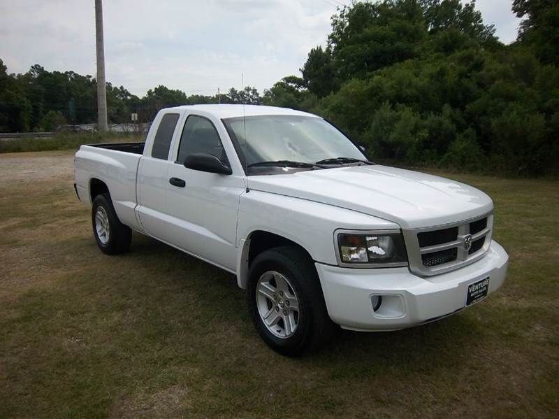 2011 RAM DAKOTA BIG HORN 4X2 4DR EXTENDED CAB white larger than a small truck but smaller than a